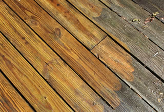 Wood Deck Cleaning and Sealing